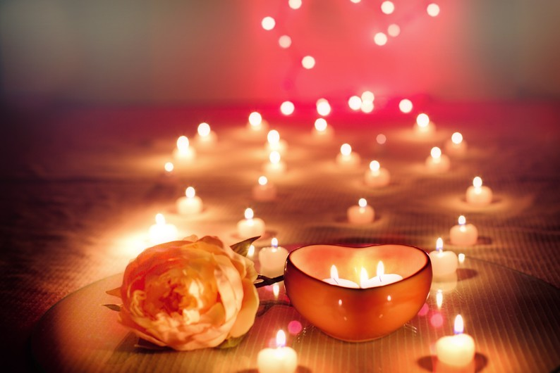 Candle & rose 00130