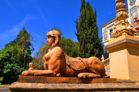 Female-statue 00518