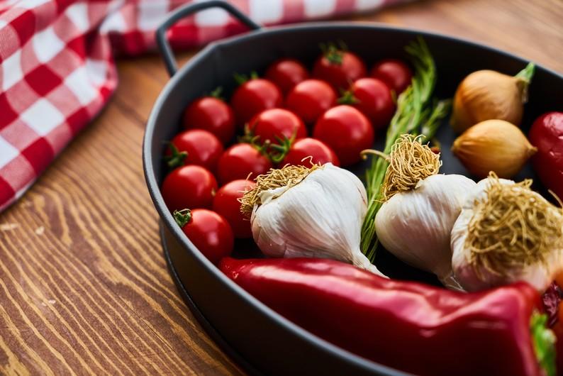 Garlic and pepper 00691
