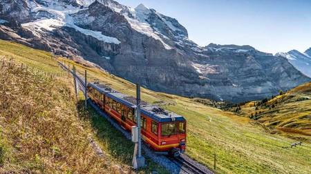 Поезд в горах 01354