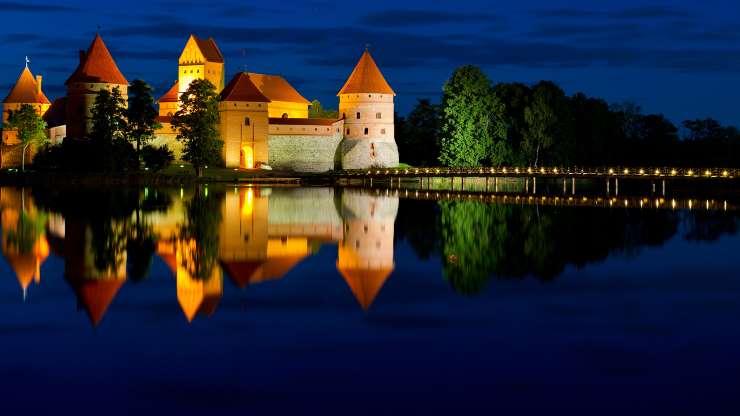Замок на воде 01353